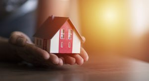 Why Selling Your House on Your Own in 2021 Is a Mistake | MyKCM